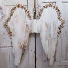 Ornate white angel wings wall decor huge French Nordic handmade distressed cherub wings anita spero one of a kind by anitasperodesign. Explore more products on http://anitasperodesign.etsy.com