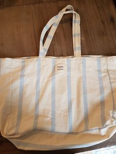 Tote bag Sézane - Neuf, simplement utilisé le temps de transporter mon achat à l'appartement Sézane