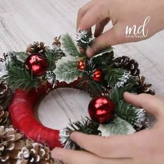 Ribbon On Christmas Tree, Christmas Wreaths To Make, Diy Christmas Ornaments, Holiday Wreaths, Cheap Christmas, Simple Christmas, Minimalist Christmas, Elegant Christmas, Christmas Center Piece Ideas