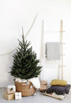 A Scandi-Chic Christmas Tree for Small Spaces The Merrythought for west elm Minimalist Christmas Tree, Modern Christmas Decor, Decoration Christmas, Minimal Christmas, Noel Christmas, Scandinavian Christmas, Simple Christmas, Christmas Decorations Apartment Small Spaces, Coastal Christmas