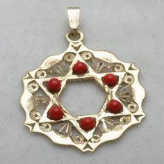 Vintage 14k yellow gold Jewish Star of David Pendant Carnelian Estate Judaica filigree..