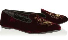 Loafers & Slippers http://thefashionsupernova.com/2014/02/04/10-fashionable-stylish-loafers/
