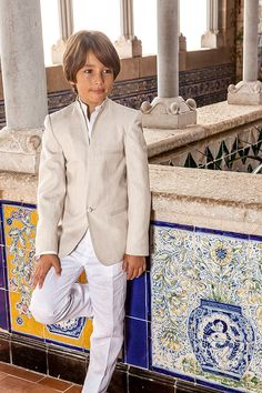 First holy communion suit linen, Mediterranean & Ibiza style for kids Boys First Communion Outfit, Communion Suits For Boys, Holy Communion Dresses, Ibiza Fashion, Suit Fashion, Boy Fashion, Catholic Baptism Dresses, Communion Hairstyles, Cute Boys Images