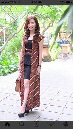Maroon checker long jacket