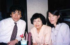 2001年より,神戸大学の村田惠子教授に師事しました.左から,私,村田惠子先生,小野智美先生です.