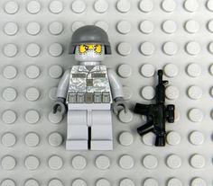 ACU Lego Lego Robot, Robots, Lego Soldiers, Lego Army, Lego Minifigure, Custom Lego, Cool Lego, Figs, Fallout