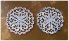 「yasasiikaze」ハートのコースターの編み図 Crochet Motif, Crochet Lace, Crochet Stitches, Crochet Coaster, Doilies, Free Pattern, Diy And Crafts, Coasters, Crochet Earrings