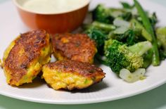 Eerst Koken: Wortelkoekjes met gorgonzolasaus