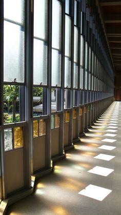 渋谷の隠れた名建築 乗泉寺 josenji temple in shibuya : Mehr Licht 光の回廊