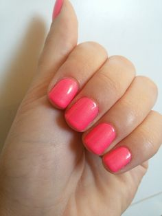 CHIKI88...  my passion for nails!: Le review del martedì: Peace, love and polish - Co...