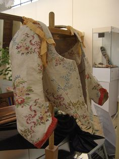 1750 ivory silk brocade and silk thread embroidered polychrome motifs of flowers