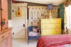 antique kids room