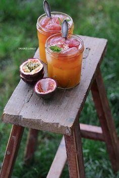Exotic Cocktail mit Tee-Eiswürfeln und Maracuja {Løv Organic} – Dreierlei Liebelei