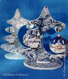 Buon pomeriggio, Paese! Oggi voglio mostrarvi il processo di creazione di solo tali alberi di Natale, palle di Natale di sospensione! La mia prima sospensione può essere trovato qui http://stranamasterov.ru/node/978429. Complesso in questo lavoro non è altro che il processo richiede pazienza e perseveranza, e soprattutto il desiderio! Ho cercato di fare una fotografia il più possibile il processo di lavoro, ma se le cose non capiscono, cercare risposte nella descrizione. Questi alberi sono…