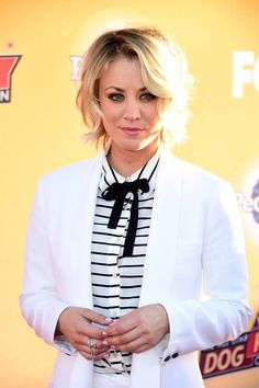 How Kaley Cuoco Bypassed the Awkward Stages in Growing Out Her Hair – Celebrities Female Kaley Cuoco, Cara Delevingne, Big Bang Theory Actress, Blonde Actresses, The Ellen Show, Grow Out, Hollywood Walk Of Fame, Beautiful Celebrities, Gorgeous Women