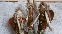 Jana Melas Pullmannová: Anjel z lístia Dream Catcher, Christmas Decorations, Clock, Home Decor, Scrappy Quilts, Watch, Homemade Home Decor, Dreamcatchers, Christmas Decor