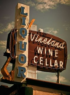 Vineland Liquor. I love these old signs.