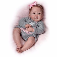 The Ashton-Drake Galleries: Cuddly Coo! Interactive Baby Doll That Actually Coos by The Ashton-Drake Galleries Baby Dolls For Kids, Real Baby Dolls, Realistic Baby Dolls, Newborn Baby Dolls, Baby Girl Dolls, Real Doll, Boy Doll, Cute Baby Girl, Life Like Babies