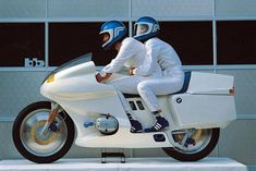 "Taffy CS 🇮🇩 on Instagram: ""BMW Futuro"" Concept Motorcycles, Bmw Motorcycles, Custom Motorcycles, Innovation Design, E Portfolio, Concept Bmw, Bmw Motorbikes, Bmw Motors, Hamamatsu"