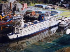 come an visit our scale model scenery shop at http://www.modelleisenbahn-figuren.com
