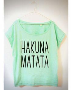 Oversize Shirt mit Hakuna Matata Siebdruck Print // Hakuna Matata Lion's King shirt by prettysucks via DaWanda.com