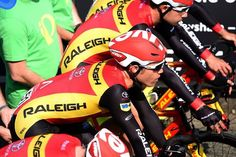 Team Raleigh prepare for the Team Time Trial at the Tour Series.