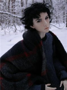 I didn't realize how much Dollshe Saint looks like Benedict Cumberbatch!