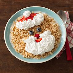 Santa's Smile Bowl Christmas Recipes For Kids, Christmas Treats, Christmas Baking, Christmas Foods, Rice Krispy Treats Recipe, Rice Krispie Treats, Rice Krispies, Baked Rice, Baking With Kids