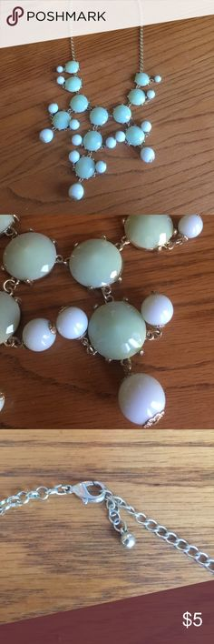 Aqua chunky necklace! 💚 Aqua chunky necklace with gold chain!! Maybe worn once if at all! Great condition!                                         15% off purchase of 2 items or more!!💕.                                                  Make an offer.                                                                         No trades. I really want to get rid of some stuff 💕 Charlotte Russe Jewelry Necklaces