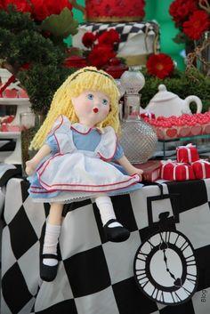 Decoração da Mesa - Alice no País das Maravilhas