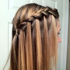 50 Waterfall Braid Inspirations You will Love, These 50 waterfall braids will add some romantic and feminine vibe into your looks. If you are looking for a sophisticated braid, then here you fou. Braided Hairstyles For Wedding, Messy Hairstyles, Waterfall Twist, Waterfall Braids, Ladder Braid, Halo Braid, Wedding Braids, Box Braids, Side Braids
