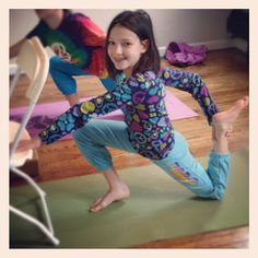 Alluem Kids: Chair Yoga