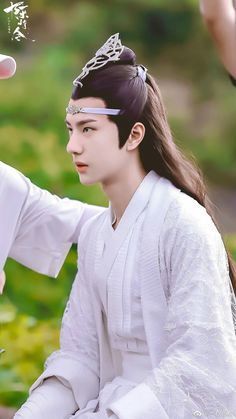 Lan Zhan looked like an Elf Ancient Beauty, Cute Actors, Chinese Boy, Kpop, Handsome Boys, Live Action, Cute Drawings, Actors & Actresses, Beautiful