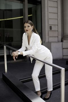 6fb30baedaaf1 white-women-suit-outfit-fashion-blogger-london-streetstyle