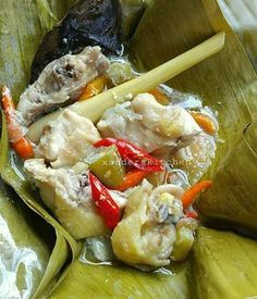 Garang Asem Ayam Kampung By : Love Food, A Food, Food And Drink, Mie Goreng, Malay Food, Indonesian Cuisine, Indonesian Recipes, Food Wishes, Asian Recipes
