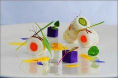 Chef-Ruben-Cabrera-Lenguado-de-Bretaña-con-sus-mini-verduras-y-papa-violeta-al-aroma-del-azafràn-iranì.jpg (1200×797)