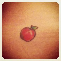 The Big Apple tattoo, which has apparently been making the . Mini Tattoos, New Tattoos, Small Tattoos, Tatoos, Apple Blossom Tattoos, Apple Tattoo, Teacher Tattoos, Sewing Tattoos, Fruit Tattoo