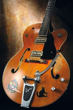 Vintage Guitars, We pride ourselves in making guitarist by using authentic instruments. They usually have a vintagelook with a overall performance of the most current models. Guitar Pics, Jazz Guitar, Guitar Art, Guitar Strings, Cool Guitar, Acoustic Guitar, Archtop Guitar, Vintage Electric Guitars, Vintage Guitars