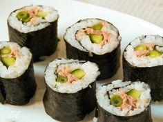 sushi tonijn Asian Recipes, Healthy Recipes, Ethnic Recipes, Japanese Recipes, Healthy Food, Sushi Bowl, Japanese Sushi, Poke Bowl, Yummy Food
