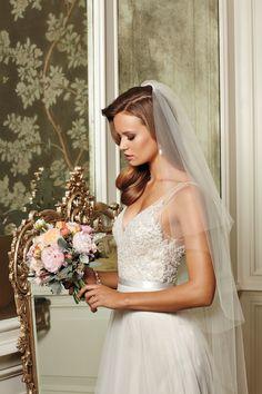 dreamy wedding dress and veil