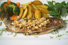 "Waldviertler Forelle nach ""Müllerin Art"" Cheesesteak, Food Food, Ethnic Recipes, Trout, Easy Meals, Essen"