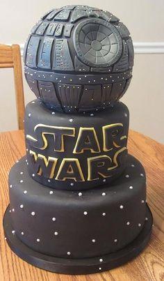 Star Wars Death Star cake.  Veja fotos de 10 bolos nerds que podem estar na sua próxima festa de aniversário