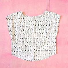 Safety Pin Crop Top Cute novelty print top! Looks unworn. Tag is cut out, but it fits like XS/S. Great fit wit buttons in back. Would be cute paired with highwaist shorts or a skirt! (Model shots found on Google images; right: lookbook.nu/sinnlos ; left: lia-glassoffashion.blogspot.com) H&M Tops Crop Tops