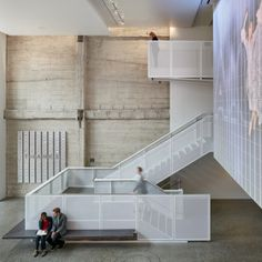 SOM recasts old San Francisco movie house for new role as a nonprofit theatre