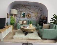 "Items similar to Travel Dollhouse MadebyMinidom "" Living Room"" on Etsy Miniature Rooms, Miniature Crafts, Miniature Houses, Modern Dollhouse, Diy Dollhouse, Victorian Dollhouse, Barbie Furniture, Dollhouse Furniture, Mini Mundo"