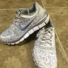 Cheetah Nike free run 5.0 size 7 wolf grey silver