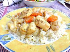Σουπιές λεμονάτες με κίτρινο ρύζι Risotto, Potato Salad, Potatoes, Chicken, Meat, Ethnic Recipes, Food, Potato, Essen