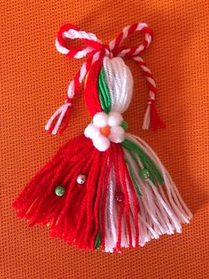 Christmas Ornament Crafts, Baby Crafts, Diy And Crafts, Christmas Crafts, Japanese Ornaments, Yarn Dolls, Crochet Bunny Pattern, Crochet Ornaments, Diy Flowers