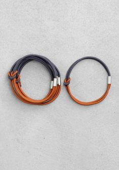 2 leather bracelet