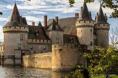 The Weekly Postcard: Château de Sully-sur-Loire
